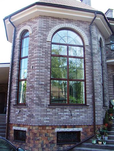 Окно с деревянным шпросом