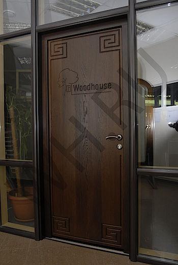 Входная дверь из термоясеня