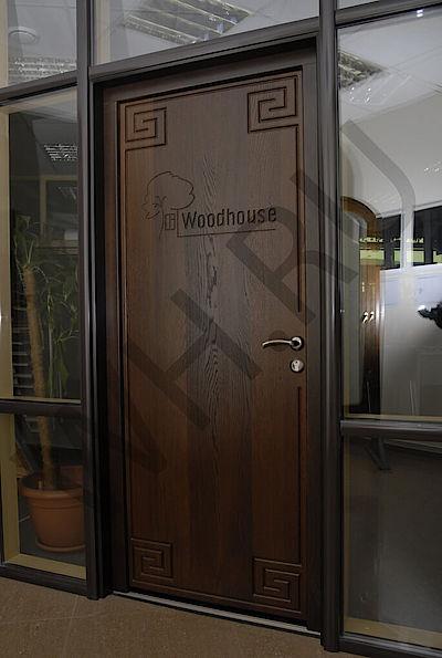 Дверь из массива термоясеня